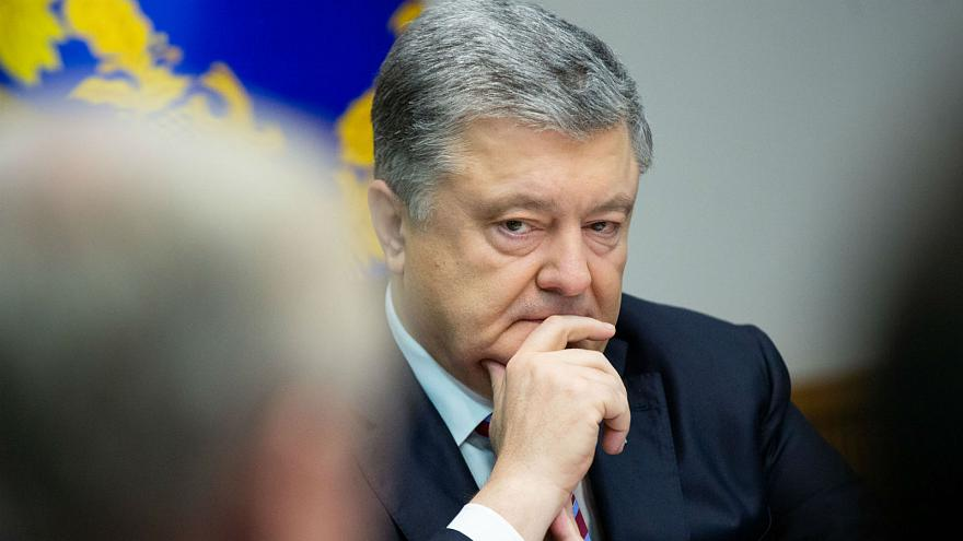 Ukraine bans entry to Russian adult men: Poroshenko