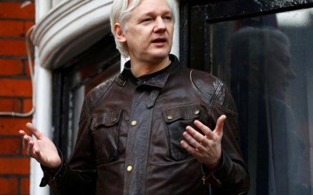U.S. prepares charges against Wikileaks' Assange, document shows