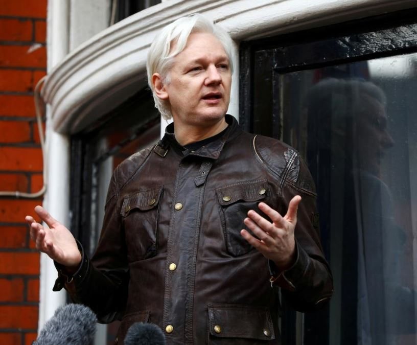 U.S. prepares charges against Wikileaks' Assange, document shows
