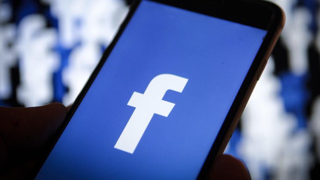 Facebook posts published and managed by professionals