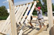 New home sales see unexpected surge, but analyst says 'entry level' price is now much higher