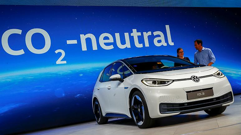 Carmakers near CO2 cliff-edge in electrification race