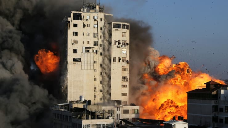 Fighting between Israel and Palestinians escalating toward a full-scale war, UN warns